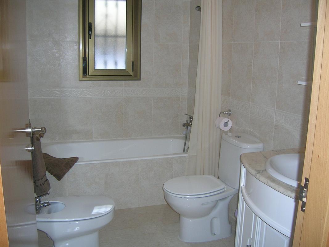 En Suite Bathrooms In Apartments: Holiday Apartment In Ciudad Quesada, Alicante For Rental