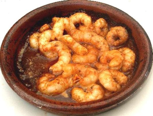 1 Kg Medium Sized Uncooked Prawns Or Shrimps 100ml Olive Oil 3 Tablespoons Of Butter 3 Garlic Cloves Chopped Roughly 1 2 Teaspoon Paprika 1 2 Teaspoon Salt